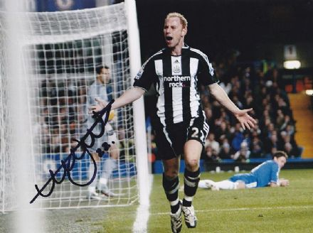 Nicky Butt, Newcastle Utd & England, signed 10x8 inch photo.